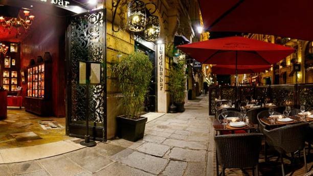 restaurant buddha bar paris 8e. Black Bedroom Furniture Sets. Home Design Ideas